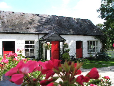 Self catering holiday cottages Cardigan Bay Wig Farm Holiday Cottages Llangrannog